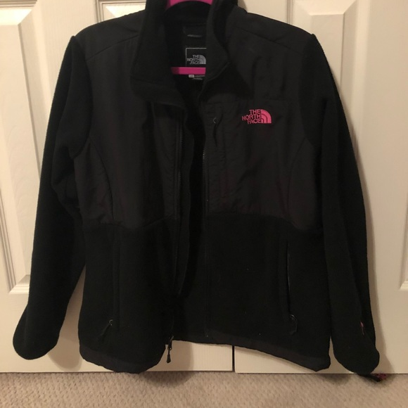 a4584e3d0 Black north face with pink breast cancer writing